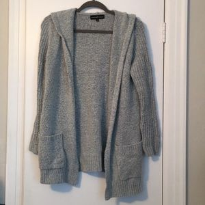 Sweaters - Great sweater. Size large.